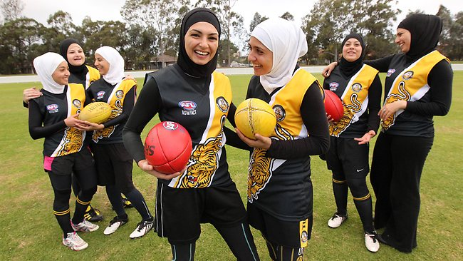 Team of Hijab Chicks in the Australian Football League